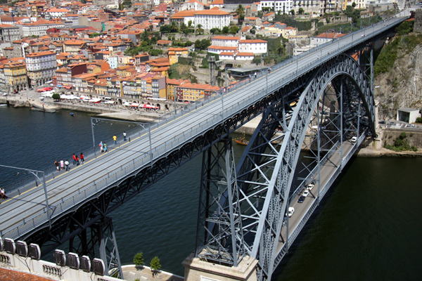 Dom Luis 1 Bridge in Porto, Portugal